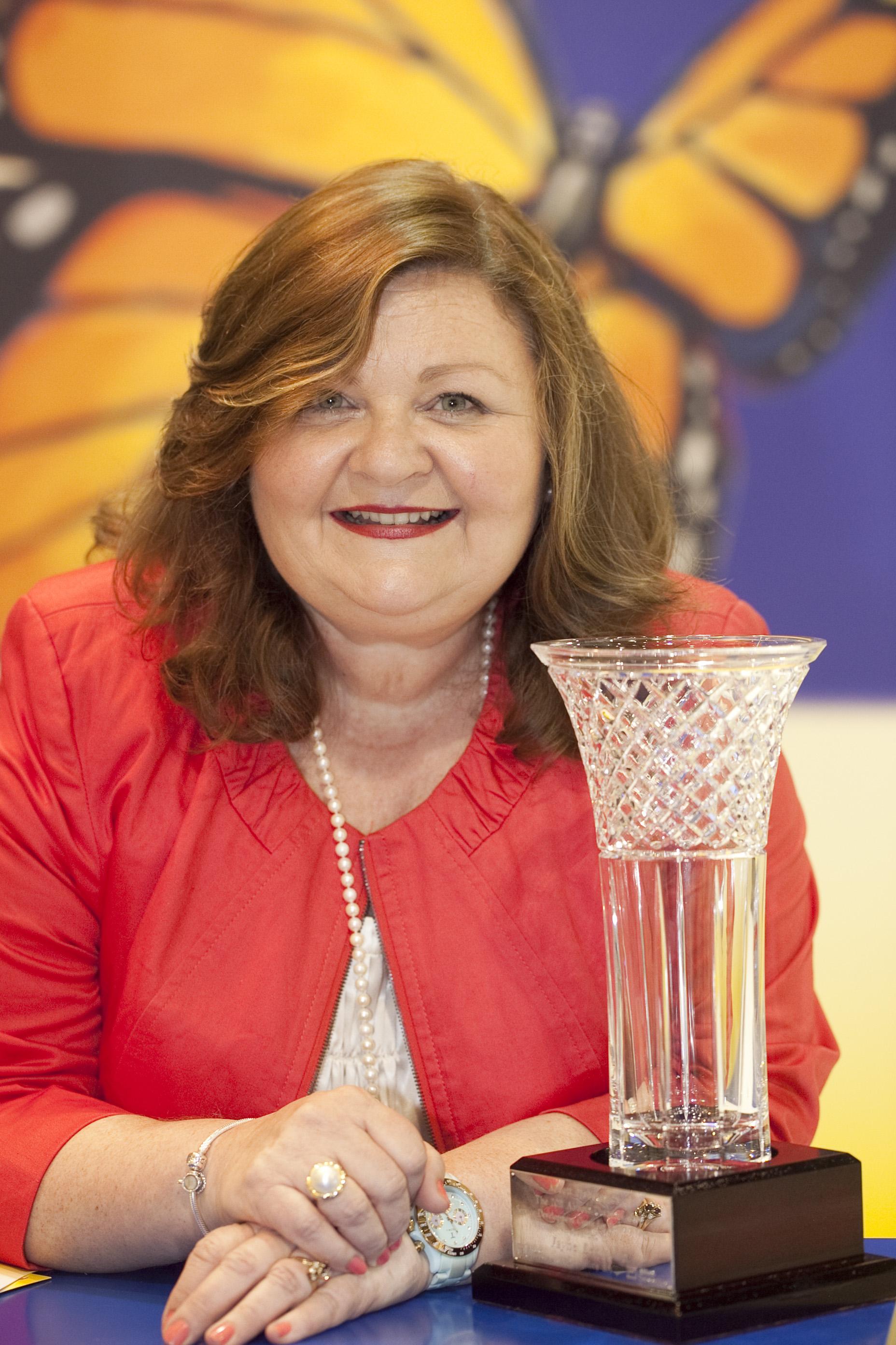 Jayne and Abbott Award trophy 2011